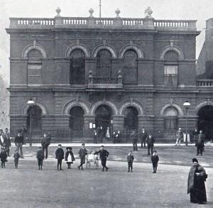 Ilkeston Town Hall in the 1890's