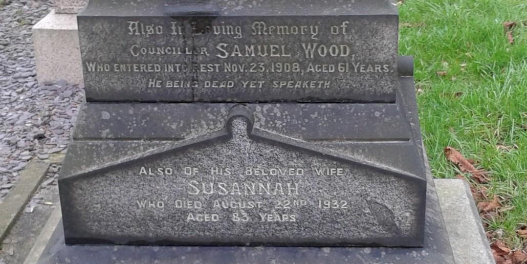 Wood grave