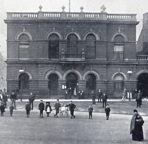 Ilkeston Town Hall in the 1890's